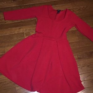 sleeved red dress!